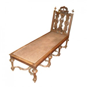 19th_C_Italian_Handcarved_Walnut_Chaise_Lounge_1